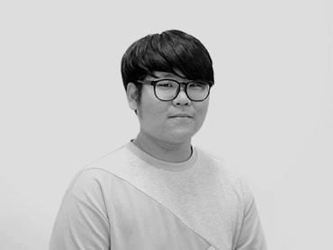 <span>김진성</span><i>→</i>