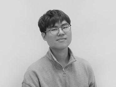 <span>김현기</span><i>→</i>